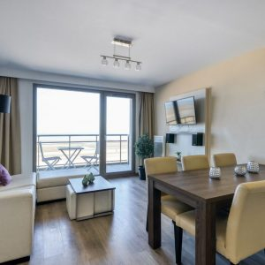 Apartment for 6 people with balcony and sea view
